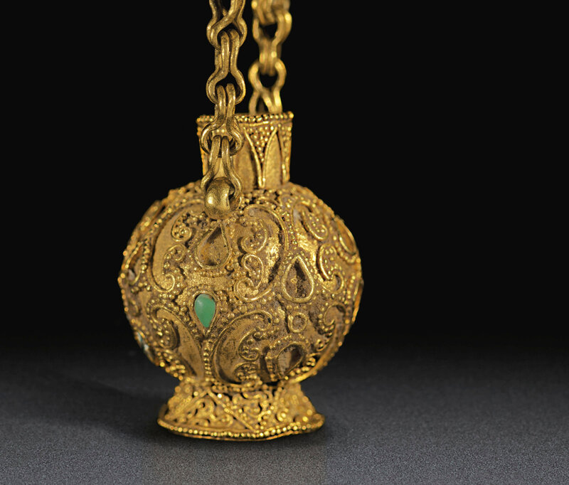 2019_NYR_18338_0525_001(a_very_rare_miniature_gold_bottlw_eastern_han-jin_dynasty_3rd-4th_cent)
