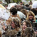 16-Pillow fight 12_4484