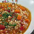 Soupe de tomates aux couscous marocain