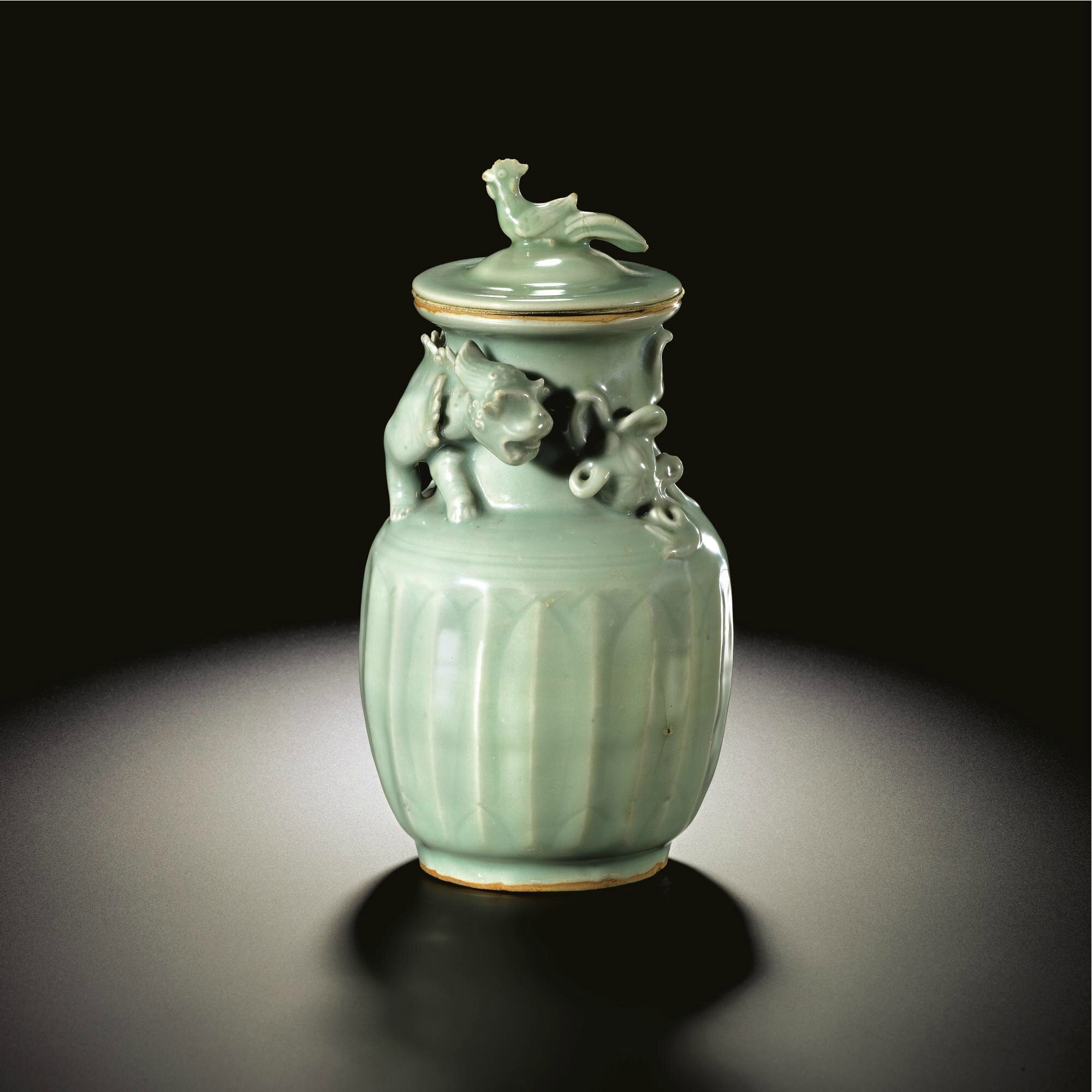 A fine and rare 'Longquan' celadon funerary jar and cover, Southern Song dynasty