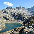 Lac de la Mourèle, lac et montagnes (65)