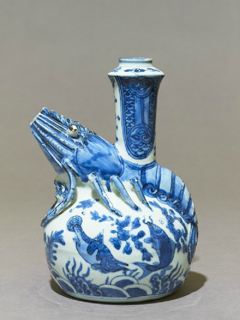 Blue-and-white kendi with crayfish, 2nd half of the 16th century, Ming Dynasty (1368 - 1644)