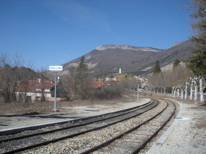 Aspres-sur-buêch (Hautes-Alpes - 05) 2