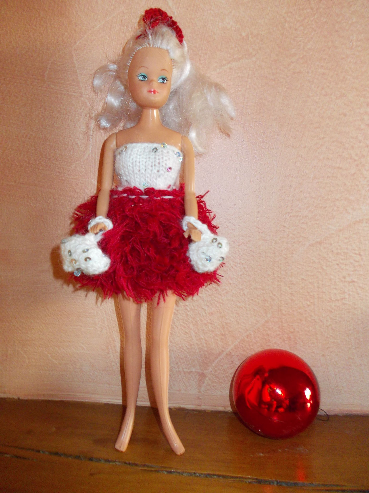 Barbie pompon girl