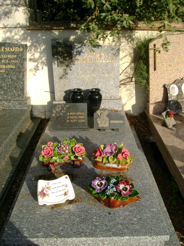 41 - Tombe de la famille Perrimond