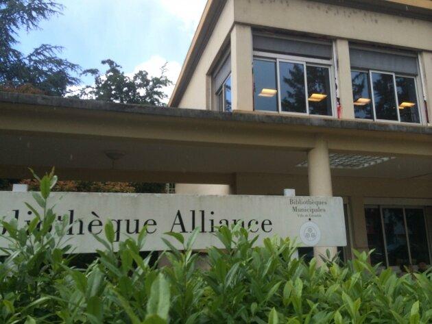 La bibliothèque Alliance à Grenoble ne fermera pas