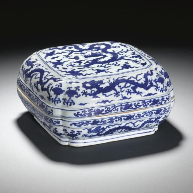 Lot 54. A blue and white quatrefoil 'dragon' box and cover, Wanli Mark And Period (1573-1620); 25.3cm., 10in. Estimate 40,000—60,000 GBP. Lot Sold 85,250 GBP. Photo Sotheby's