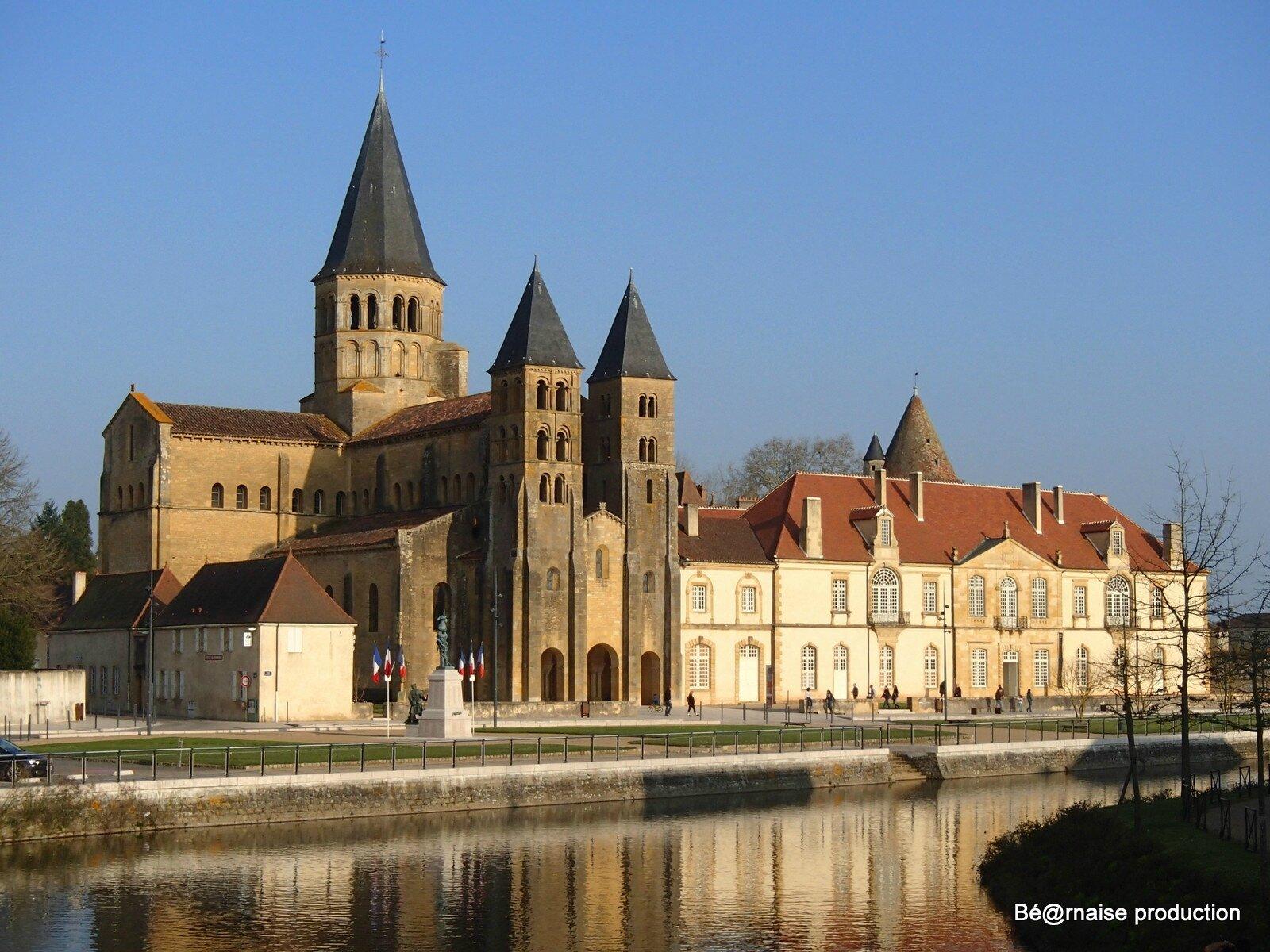 Basilique sur Bourbince (Paray-le-Monial, mars 2016)