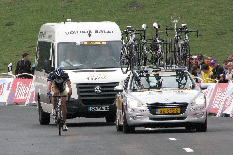 Wouter_Poels_&_voiture-balai