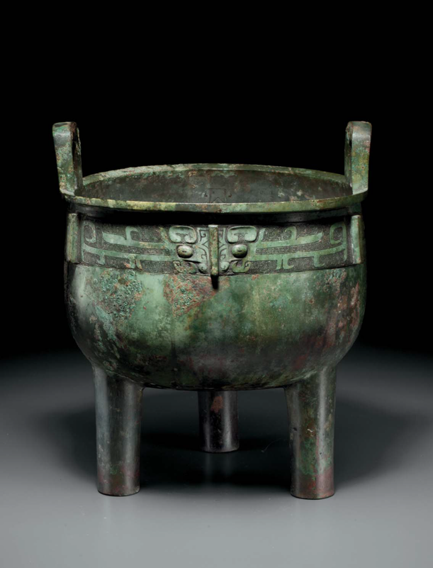 A rare large bronze ritual tripod food vessel,ding, China, Late Shang-Early Western Zhou dynasty, 12th-11th century BC