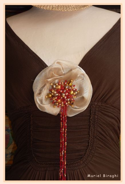Broche Rose des Sables
