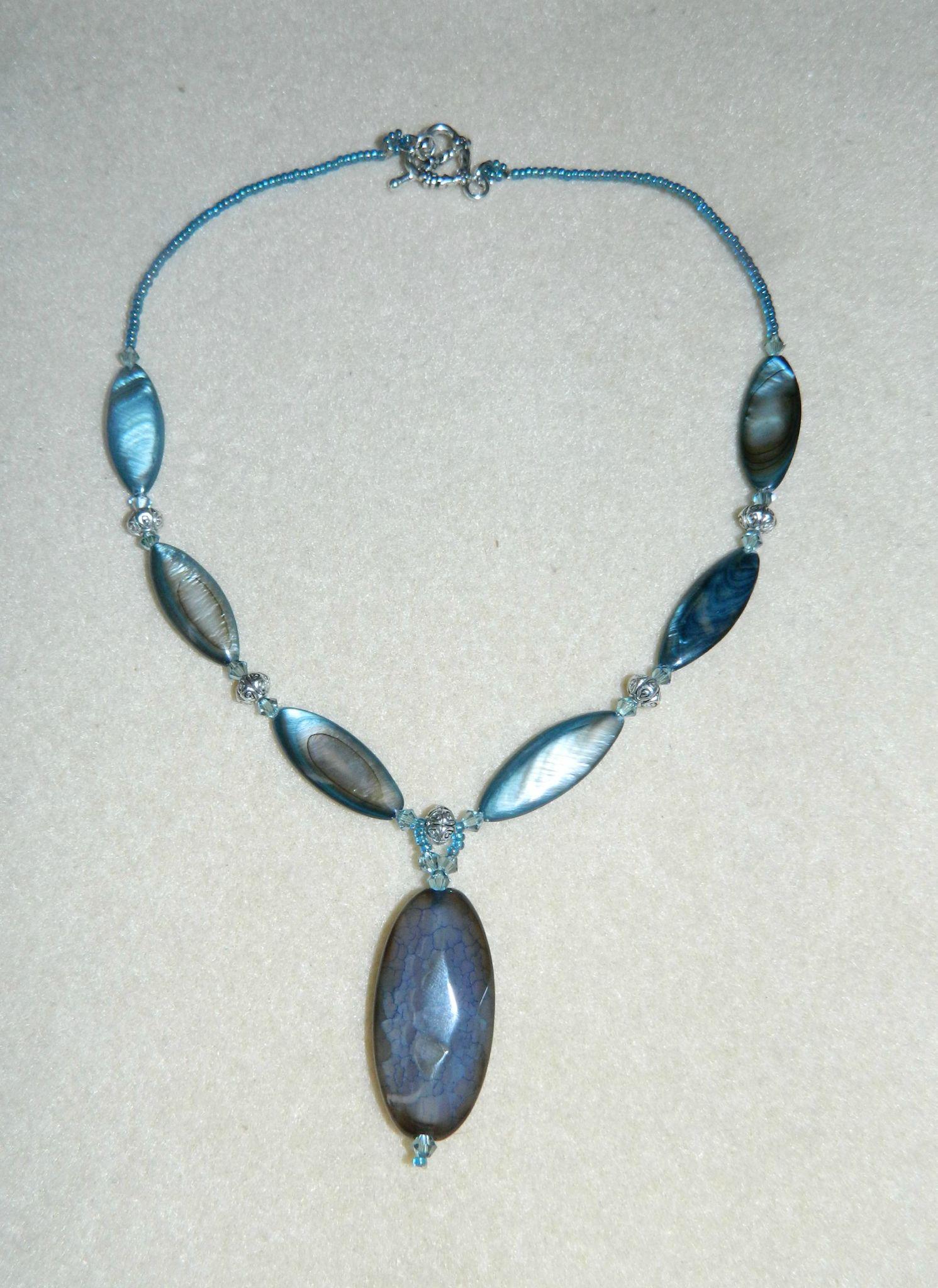 Nacre bleu