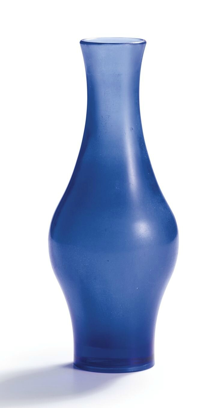 A rare blue glass vase, Wheel-cut mark and period of Qianlong