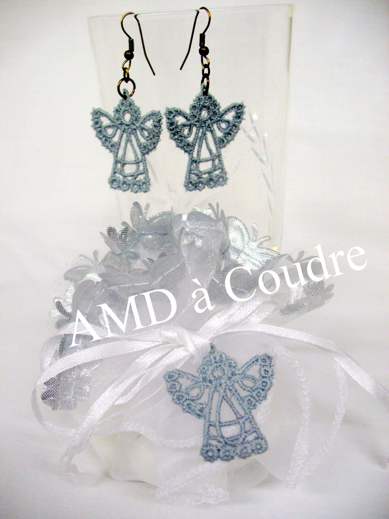 BOUCLES OREILLES ANGELOTS POUR MARRAINE PAR AMD A COUDRE (3)