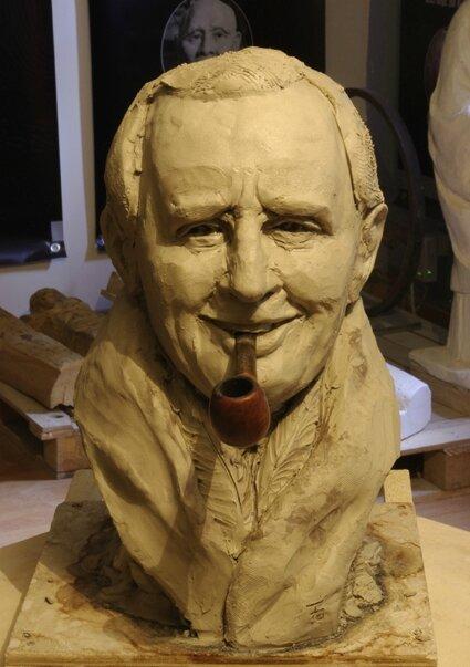 Fulbert DUBOIS sculpteur sculpture portrait Tolkien argile 5