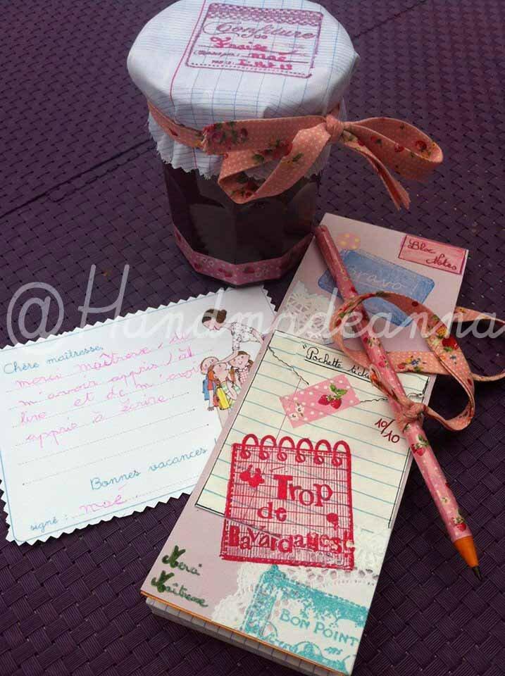 Cadeau maîtresse confiture fraise maison & carnets de notes THEME: confiture de fraise/EcolePARTIS PRIS graphisme: lignes, écriture manuelle, poisCHARTE COULEURS : blanc, bleu, rouge, vert : 4 couleurs de la maîtresse par ElsaMATERIAUX : carnet, papier