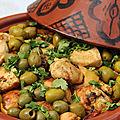 Tajine de poulet, citrons confits, olives vertes et coriandre