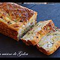 Cake sale au yaourt, courgettes, poivrons et chevre