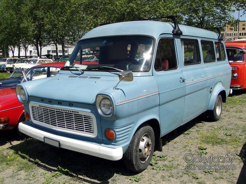 ford-transit-bus-mk1-1971-01