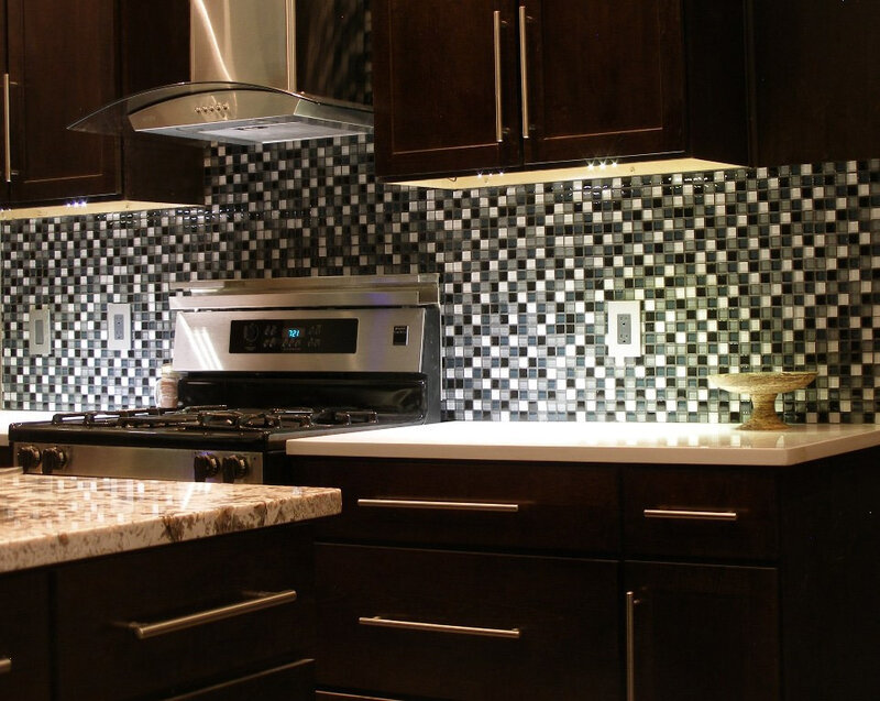 Small-Kitchen-Light-Or-Dark-Cabinets