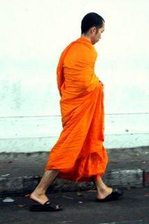un moine bouddiste
