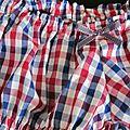 Culotte en coton vichy blanc-rouge-marine et noeud assorti (3)