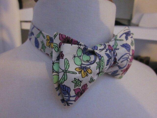 Véritable NOEUD PAPillon en coton écru fleuri prune, violet, vert et jaune (4)