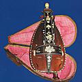 Patrimoine musical normand en peril: une rare vielle à roue du xviiie siècle qu'il nous faut sauver ensemble