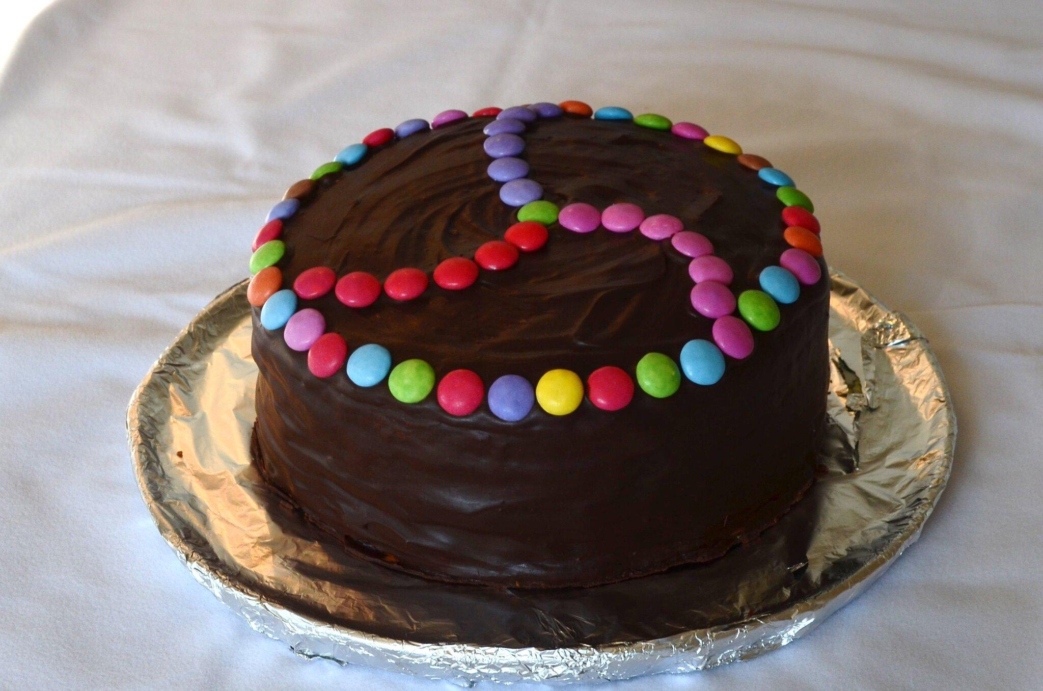 pinata_cake_gateau_smarties_la_chouette_bricole