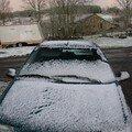 2008 04 14 La voiture sou le peut de neige