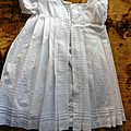 2142 joli robe enfant colori blanc