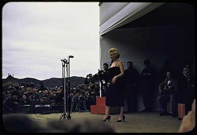 1954-02-17-stage_out-by_david_geary-06