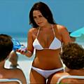 Preuve de l'existence de clones une top-modèle brésilienne apparaît pour une pub sans nombril