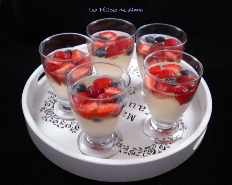 Sangria blanche aux fruits rouges