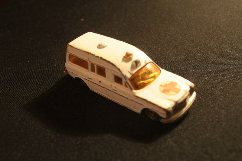 410_Mercedes-Benz Ambulance_04