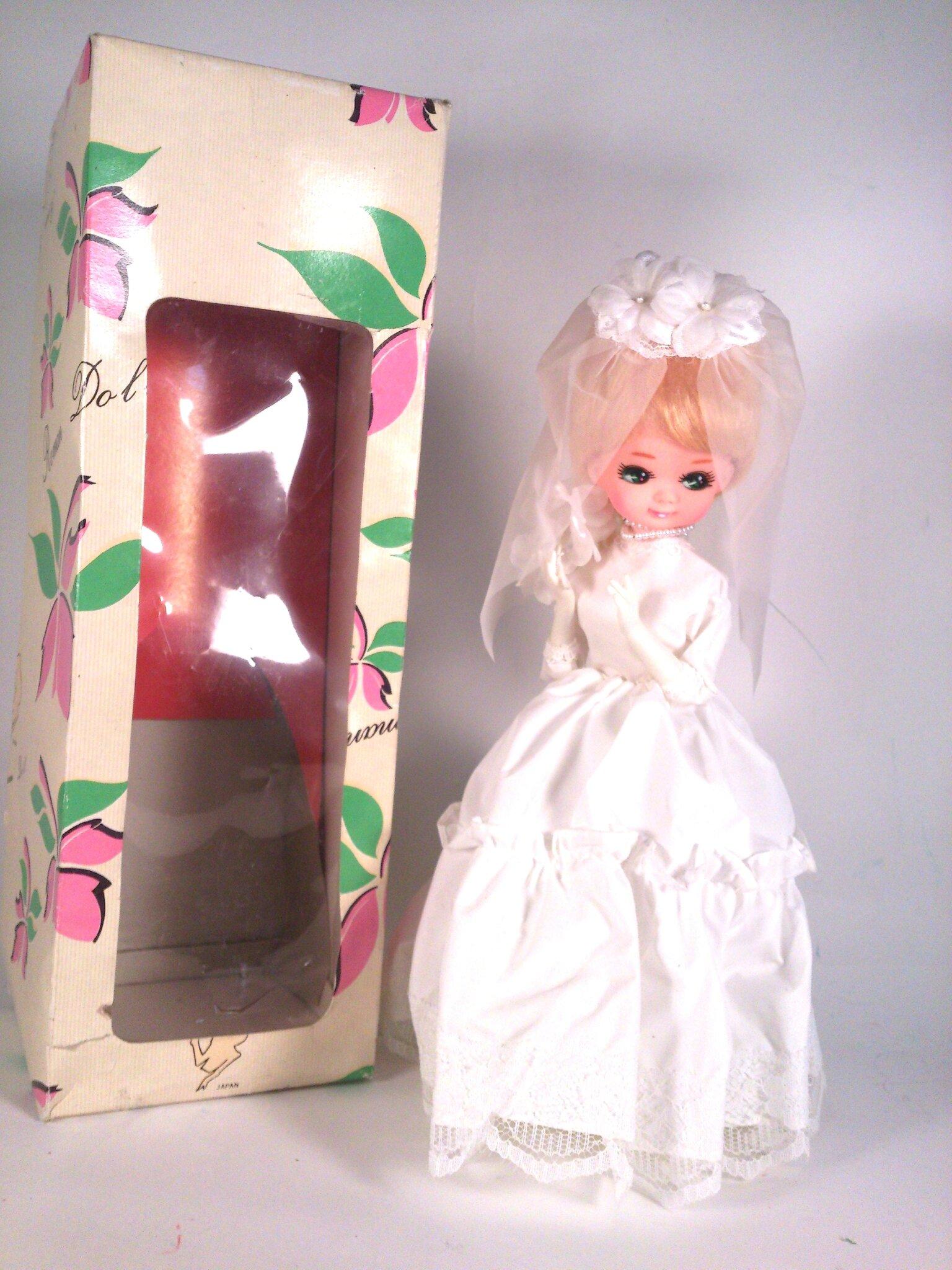 poupée mariée vintage