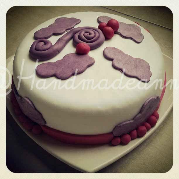 Première réalisation gâteau avec pâte à sucre par Sophie