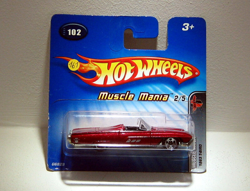 Ford T-bird convertible de 1963 (Hotwheels 2004)