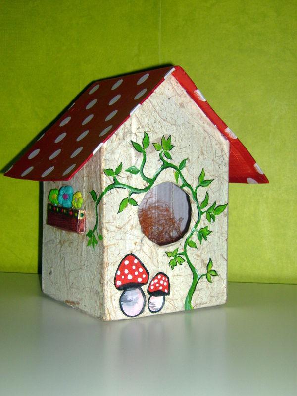 maison à oiseau en carton