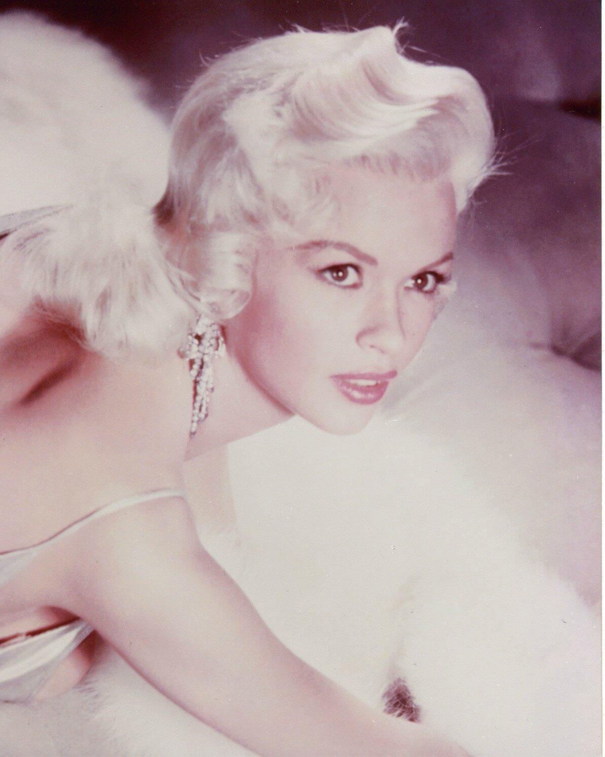 jayne-1957-studio-satin_and_fur-011-2a