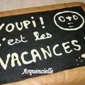 Gâteau ardoise d'écolier, détail écriture en chocolat